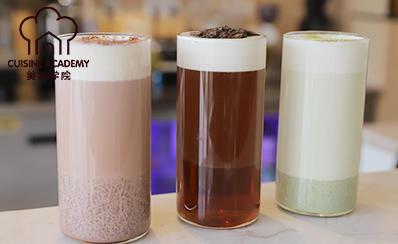 美味学院饮品培训班学员做的热饮